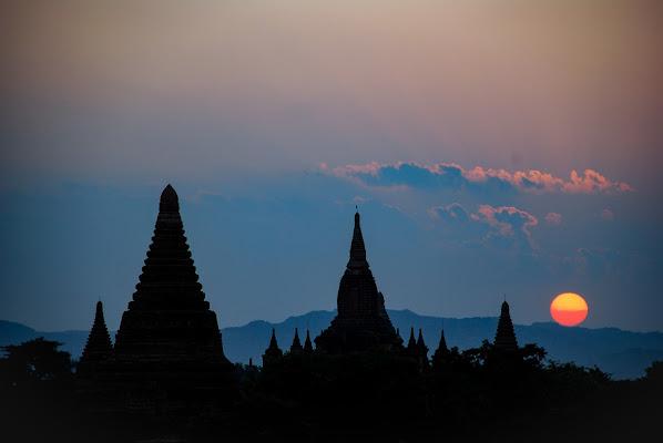 Skyline di Bagan al tramonto di Highlander