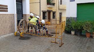 Operarios trabajando en Serón.