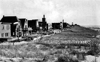 Photo: 1936:  Wat ruig en smal de boulevard, vroeger zeiden ze 'de Werf.