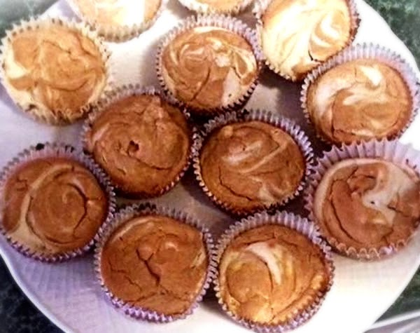 Preheat oven to 300 degree F.  Line a standard muffin tin with foil cupcake ...