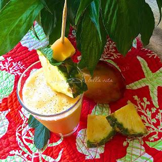 Anti-Inflammatory Pineapple Mango Ginger Smoothie