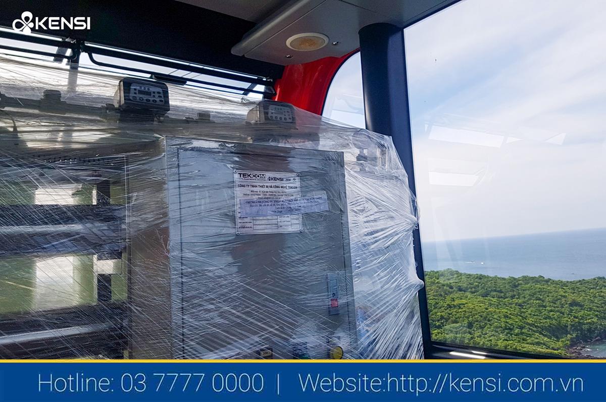 Di chuyển hệ thống lọc nước RO công nghiệp bằng cáp treo ra đảo Hòn Thơm