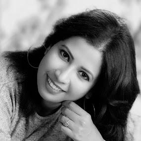 Pretty woman by Rajib Chatterjee - Black & White Portraits & People