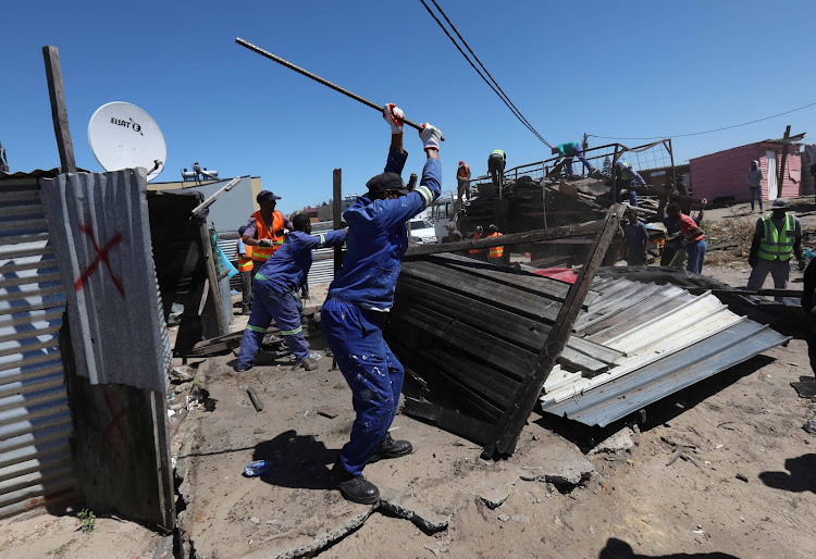 The last families that were occupying the land earmarked for the N2 Gateway housing upgrade have finally been evicted – bringing to an end the legal battle between the Joe Slovo residents and the Western Cape government.