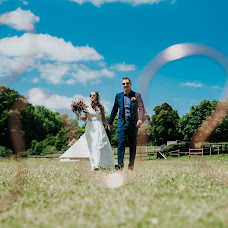 Wedding photographer Angela Ward-Brown (angelawardbrown). Photo of 02.07.2019