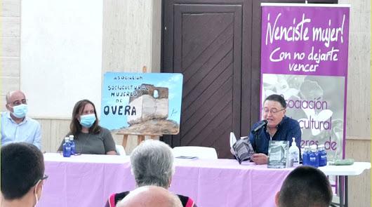 Presentan un libro para salvar el Castillo de Overa