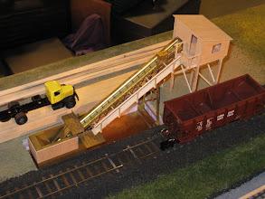Photo: reverse angle of sugar beet loader construction
