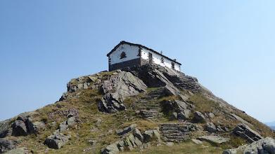 Photo: Ermita la Trinidad en la cima del Mendaur
