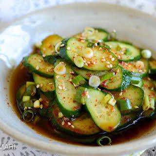 Korean Cucumber Salad (Oi Muchim 오이무침).