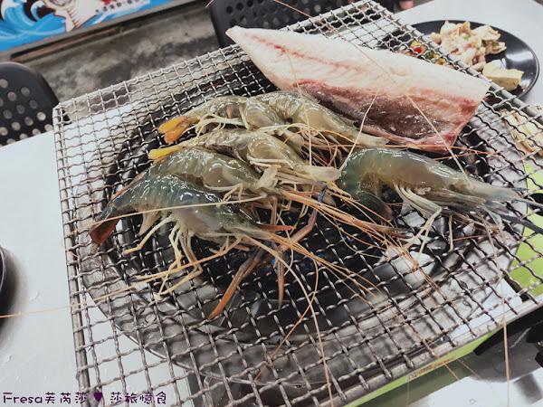 台灣水道蝦:活跳跳肥滋滋泰國蝦.現夾現烤有夠新鮮.熱炒甜點吃到飽.安平美食