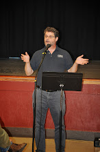 Photo: RASP treasurer Mike Meredith makes a brief (financial?) announcement after our break ends.
