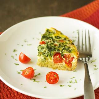 Crockpot Quinoa Breakfast Casserole with Tomato and Spinach.