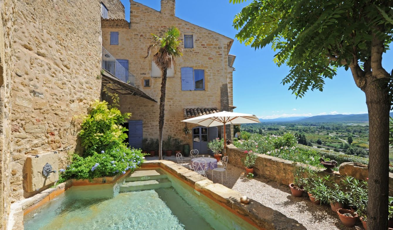 House with pool Lauris