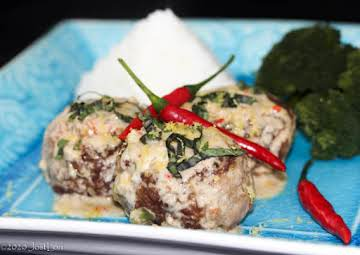 Lion's Head Meatballs in Spicy Coconut Sauce