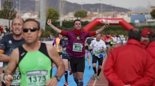 No te quedes sin tu foto de la Media Maratón de Almería