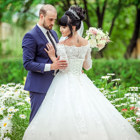 Wedding photographer Elena Chernikova (lemax). Photo of 13.12.2017
