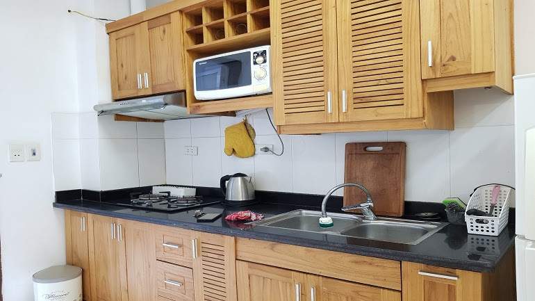 Good price studio apartment near Truc Bach lake for rent