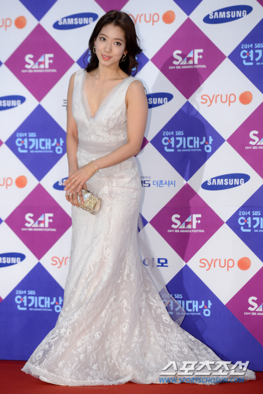 shinhye gown 16