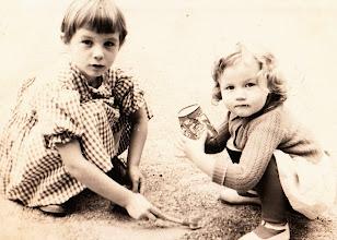 Photo: Christa und Ingeborg
