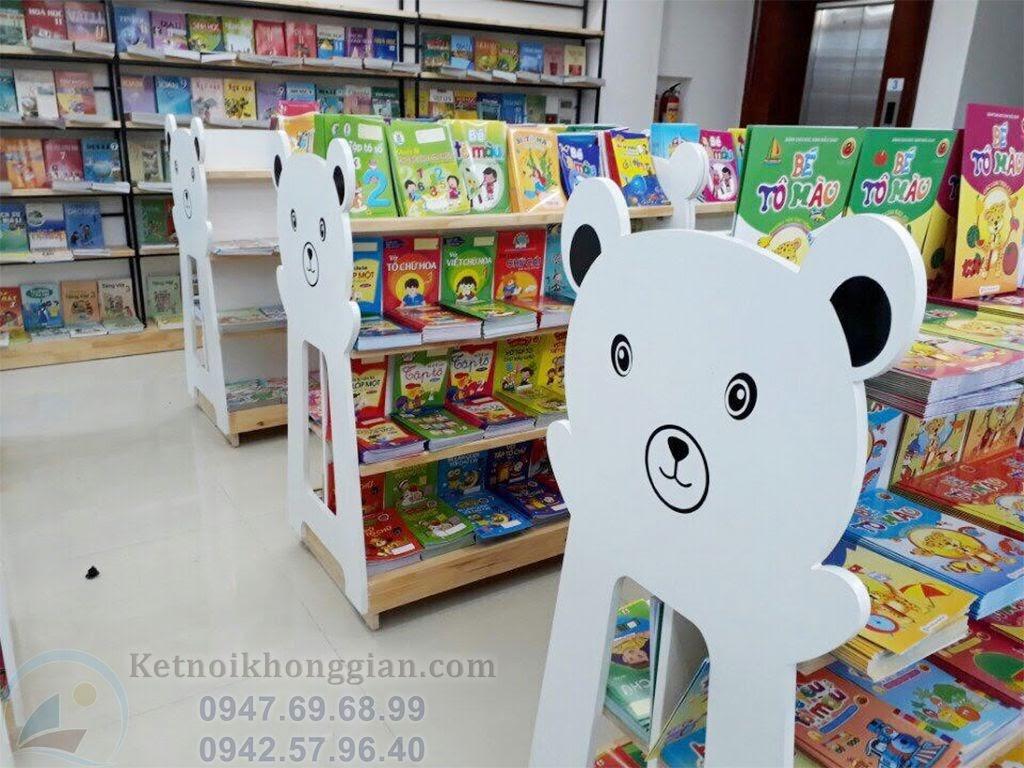 thiết kế và thi công nội thất nhà sách hình gấu đẹp mắt