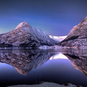 Winter morning by Sigbjørn Fjellheim - Landscapes Weather ( hardanger )