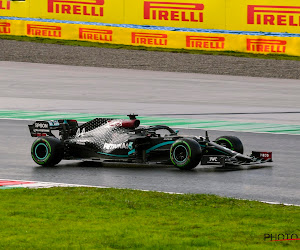 Hamilton viert zevende wereldtitel met atypische overwinning, ook Racing Point en Ferrari hebben rijder op podium