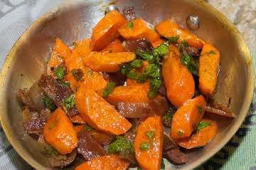 Side Dish Essentials: Roasted Carrots with Bacon