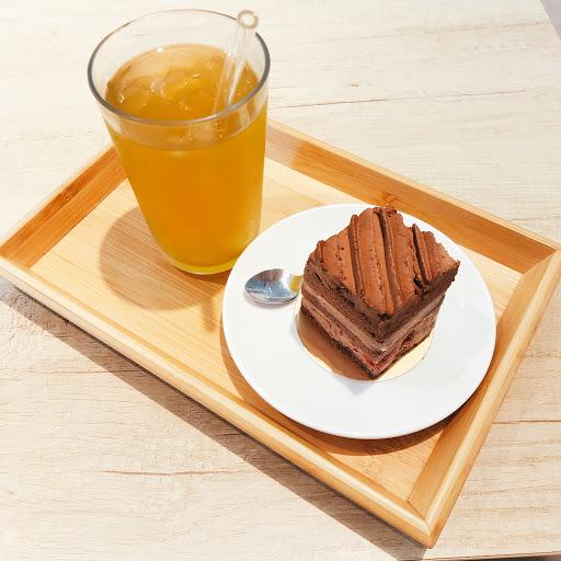 可以試試看巧克力覆盆子蛋糕🤤