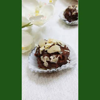 Chocolate Lollipop with flakes.