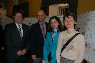 Photo: Nos juges pour le concours d'affiches scientifiques : Claude Levasseur (Effigis), Mario Perron (MRN), Amaneh (Mojgan) Jadidi Mardkheh (responsable du concours, Université Laval) Sylvie Daniel (Université Laval)