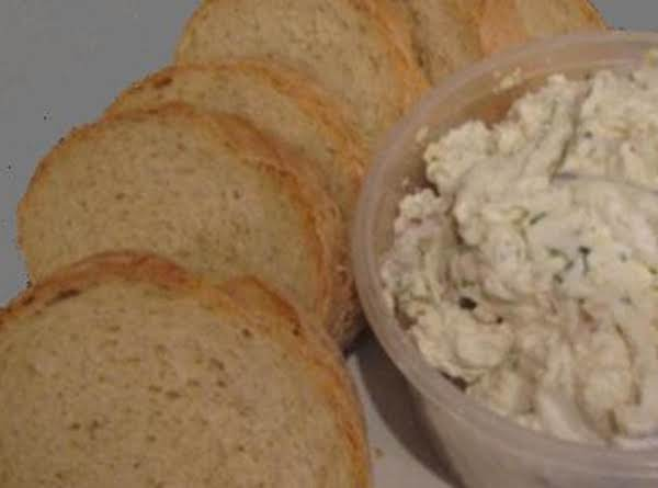 Blue Cheese Herb Spread On French Garlic Toast Recipe