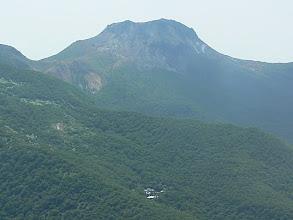Photo: 茶臼岳と三斗小屋温泉