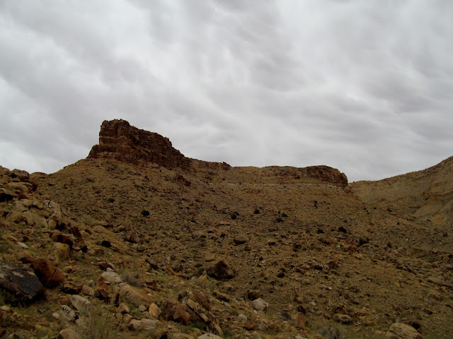 Dark clouds over the cliffs of Gray Canyon
