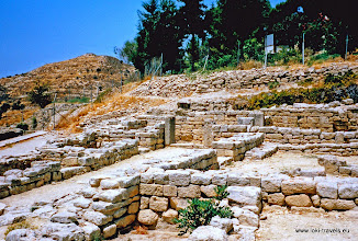 Photo: 1995-07-06. Phaistos.  www.loki-travels.eu