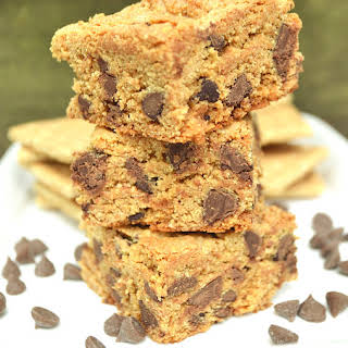 Chewy Chocolate Chip Graham Cracker Cookie Bar.