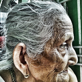 Wrinkles shows the time by Prince Frankenstein - Instagram & Mobile Android ( old age, wrinkles, mobile photos, grandmother, portrait )