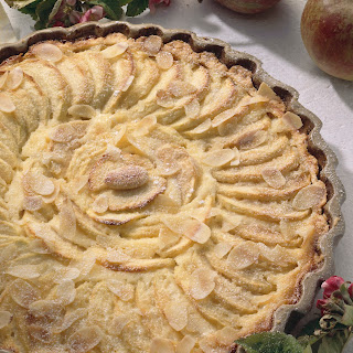 Apfelkuchen mit Amaretto-Sahneguss