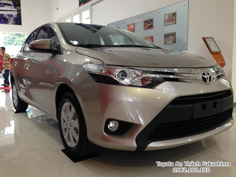 Khuyến Mãi Giá Mua Xe Toyota Vios 2016 màu nâu vàng 1.5E Số Sàn Trả Góp
