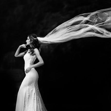 Fotógrafo de bodas Dmytro Sobokar (sobokar). Foto del 20.01.2018