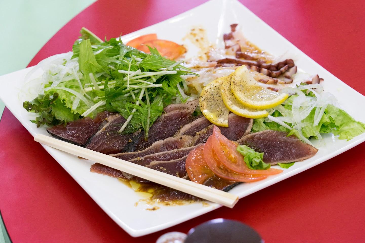 鰹のタタキと蛸のサラダ仕立て