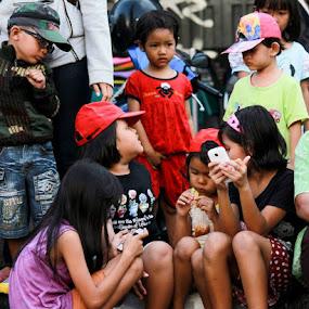 he wants to know :-D by Agus Aktawan - Babies & Children Children Candids