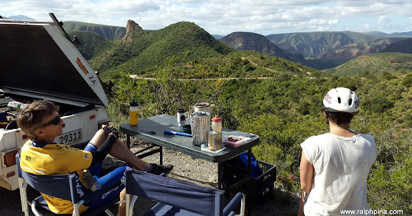 Tea break at the top of Grasnek Pass