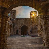 L'ultimo bacio del sole al castello  di