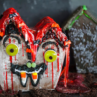 Haunted Halloween Gingerbread Houses