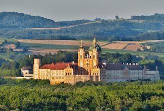 Photo: Benediktinerkloster Stift Melk, erbaut 1702–1746 von Jakob Prandtauer.  Die größte barocke Klosteranlage Österreichs gehört zum UNESCO-Welterbe.