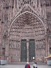 Photo: The main entrance to the Cathedral, showing the educational details typical of these portals: the largely-illiterate medieval population learned its religious principles from the stories represented by the statuary.
