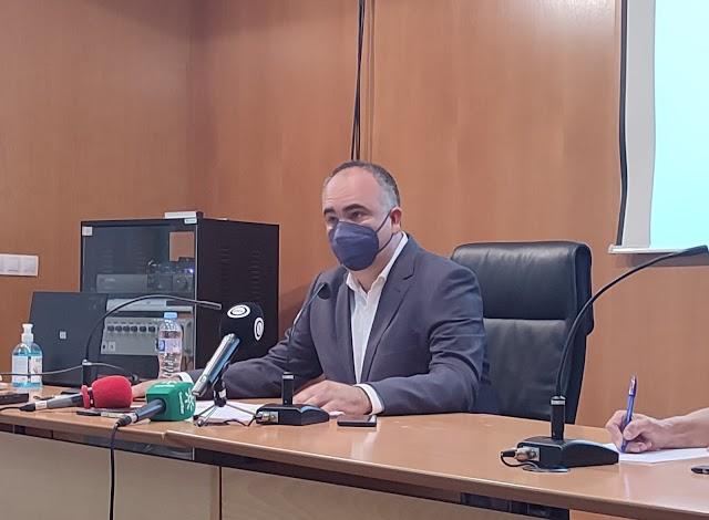 El delegado territorial de Igualdad, Políticas Sociales y Conciliación, Rafael Pasamontes, durante la comparecencia.