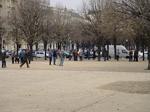 Photo: Whatever the weather (such as this chilly afternoon), groups of men can be seen without fail on Saturday afternoons playing boules (the French name for bocce) on the esplanade of Les Invalides.