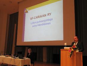 Photo: Sunnuntain kokouksen avasi pj. Juha Hämäläinen.