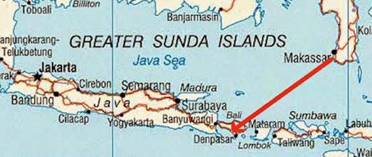 Photo: Vuelo Makassar (Sulawesi) – Denpasar (Bali) Martes 24 de marzo de 2015